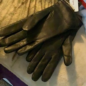 Black Leather Gloves by 3M